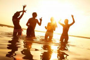 ים של בריאות: כל הסיבות לוותר על המזגן ולהגיע לחוף הים
