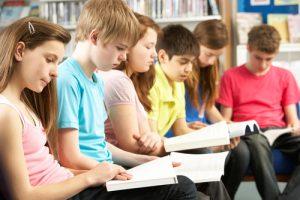 עזבו אותם מסמארטפונים: הכירו את התלמידים שמגיעים לבית הספר בלי סלולרי