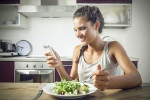 diet on the phone. shutterstock