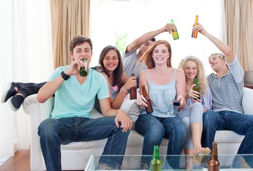 בני נוער ואלכוהול: שונאים סיפור אהבה