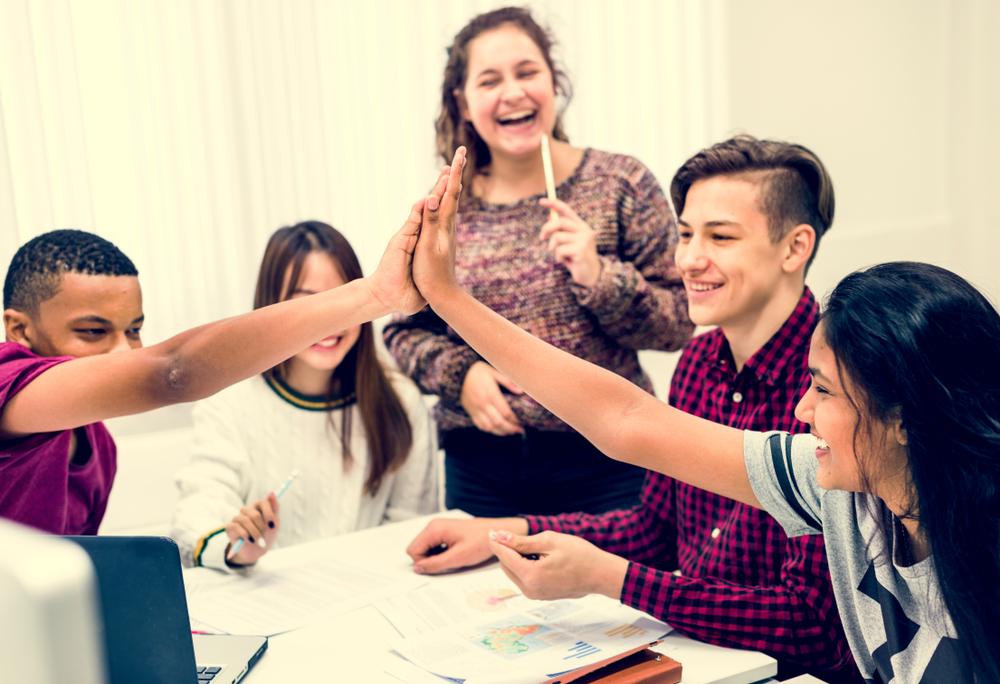 סקר מצא: מרבית התלמידים מעוניינים לדבר על פוליטיקה