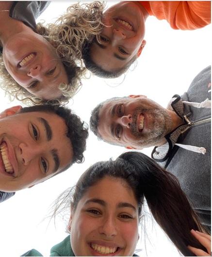 איך הורים בכל העולם מתמודדים עם שגרת הקורונה: פרויקט מיוחד של עשר פלוס