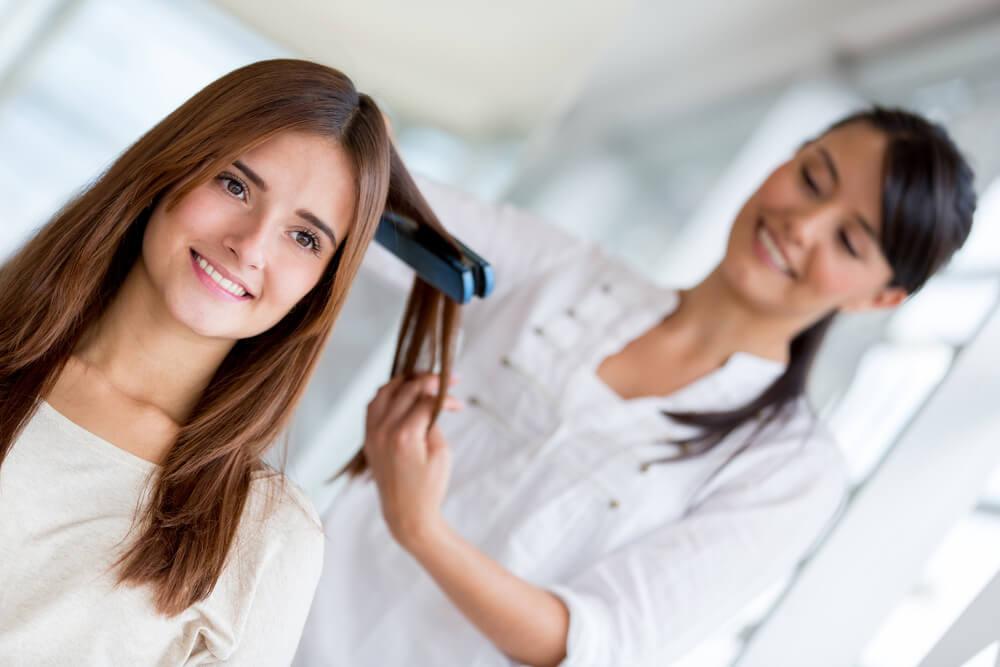 מחליקות את זה: מה צריך לדעת לפני החלקת שיער
