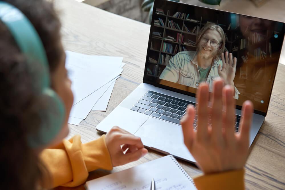 פגיעות בזום: מה ההורים יכולים לעשות
