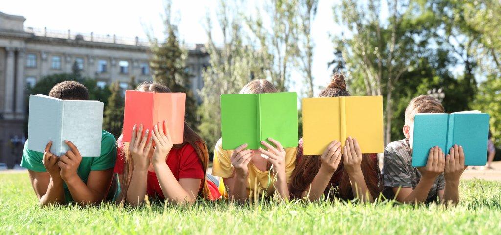 איזה ספרים כדאי לרכוש בשבוע הספר? 5 המלצות חמות
