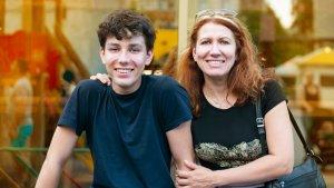 אמא ובנה